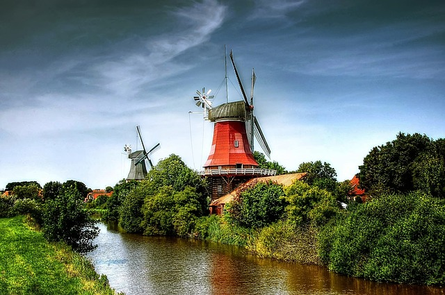 Die Zwillings Windmühlen von Greetsiel