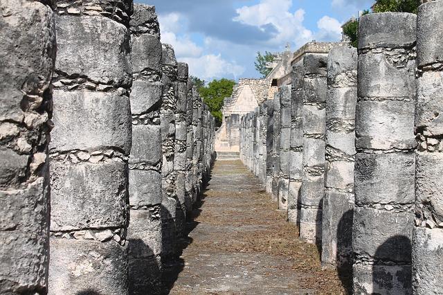 Die 1.000 Säulen von Chichén Itzá