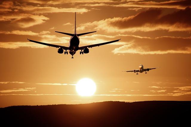So bekommst du Steuern und Gebühren bei Flugstorno zurück
