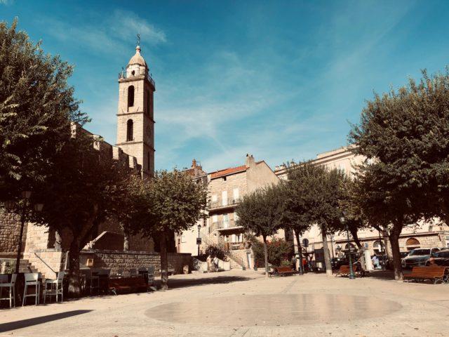 Der Marktplatz von Sartène